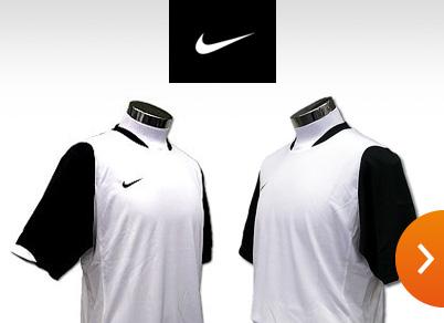 《ブランド正規品》NIKEサッカーユニフォーム